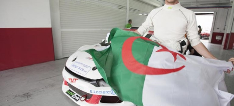 Julien Gerbi soutient l'équipe nationale d'Algérie
