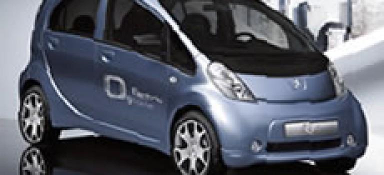 Peugeot présente sa citadine électrique