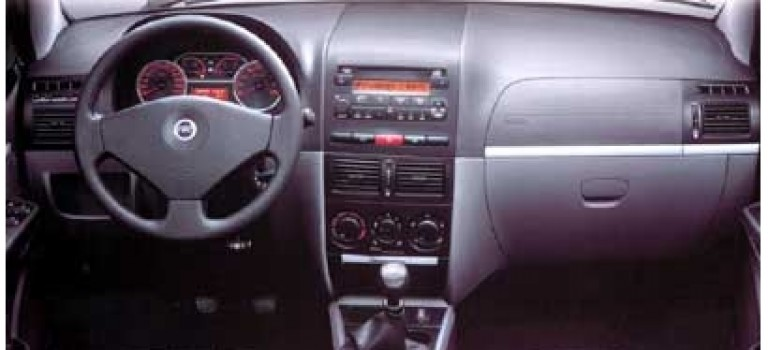 La nouvelle Fiat Siena entre en scène