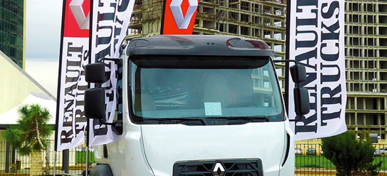 Equip auto 2015 : Renault Trucks propose la rénovation