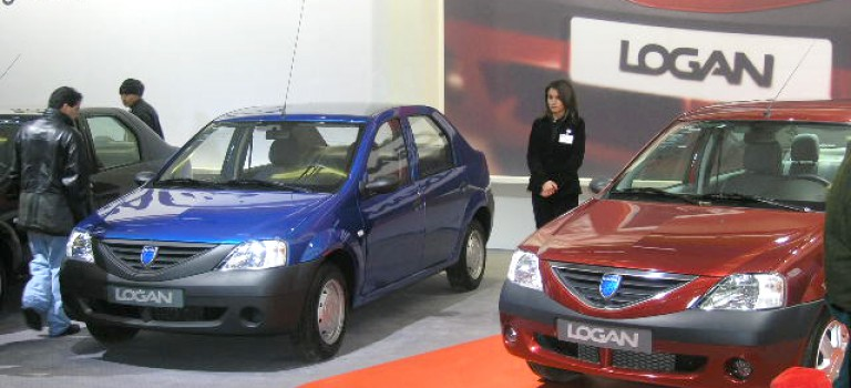 1ere vente par modèles en janvier 2015 : Dacia Logan (2 213)