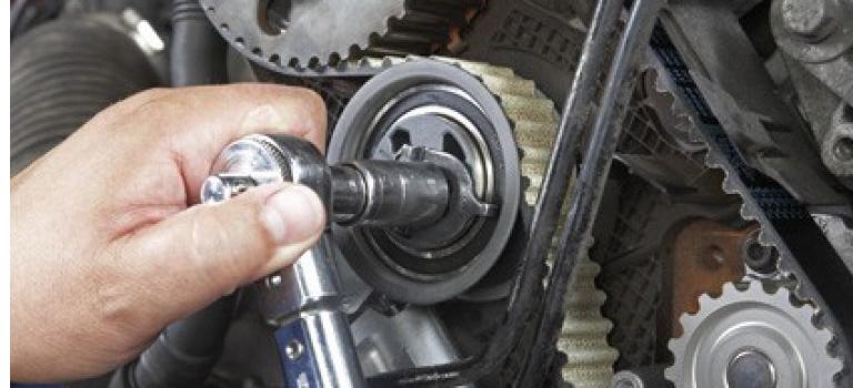L'emploi et l'automobile : 544.201 exercent dans le commerce et de réparation