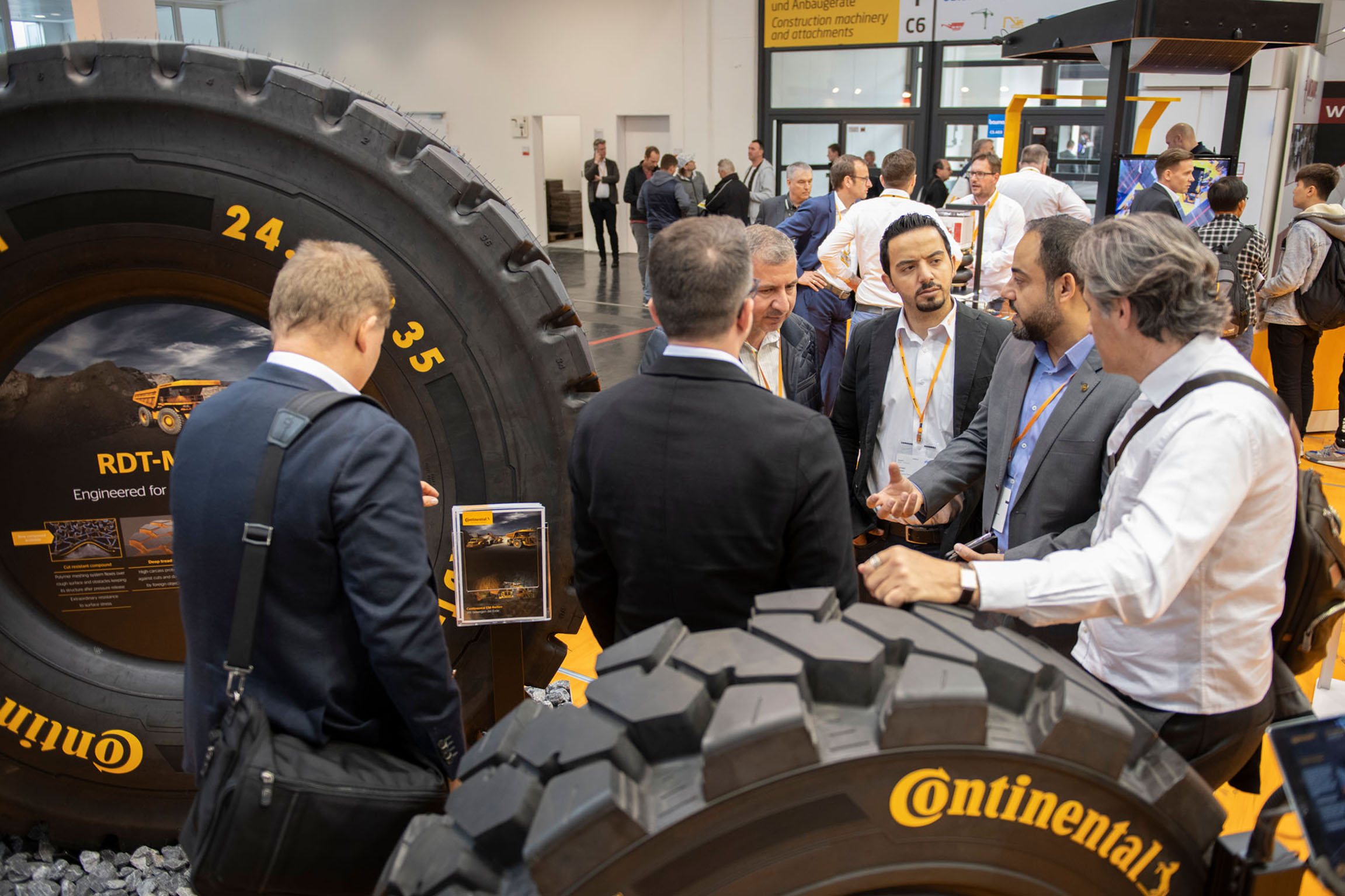 Image+2+-+Continental+at+Bauma+exhibition-1