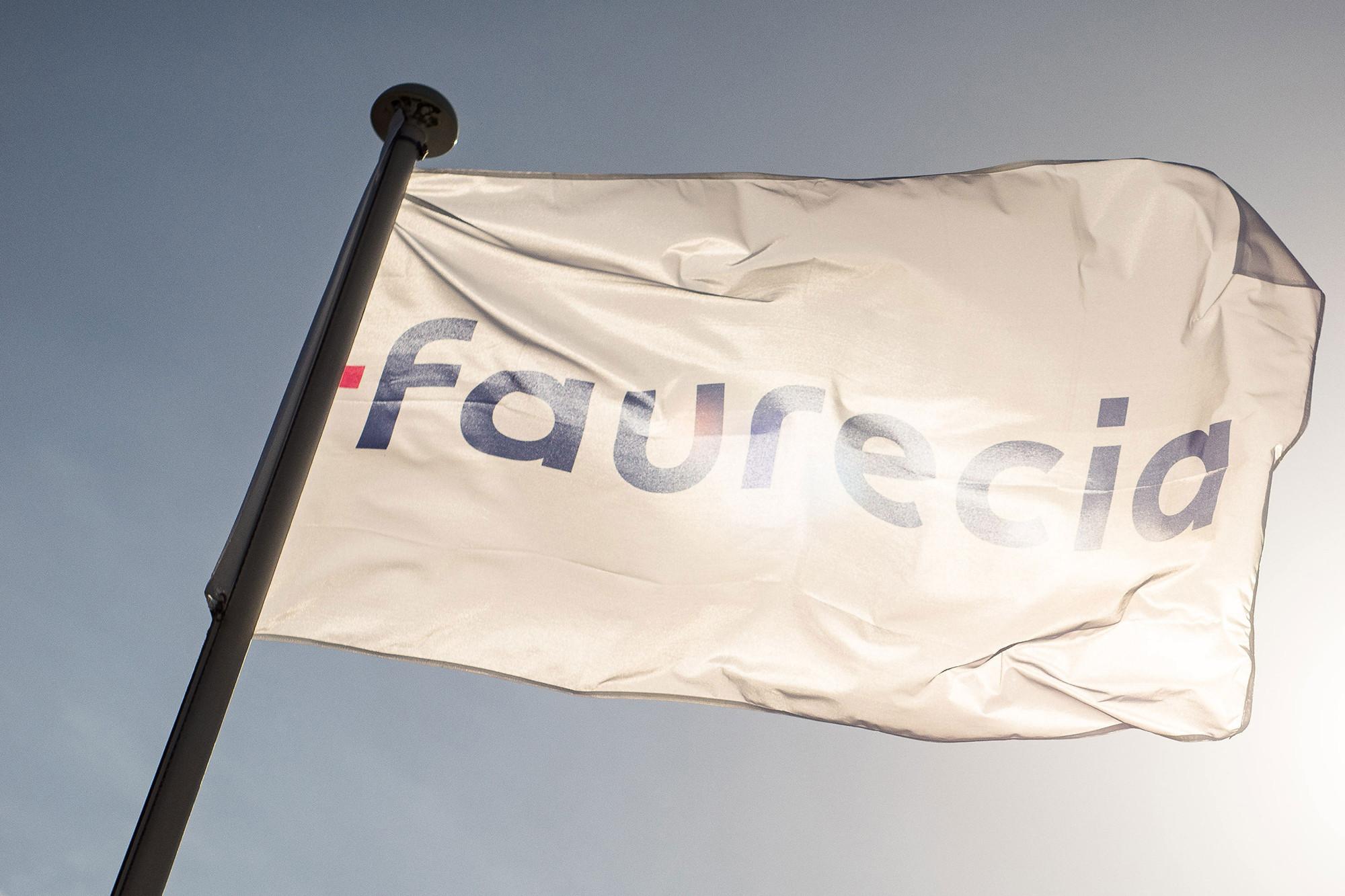 Faurecia-flag_EVENT